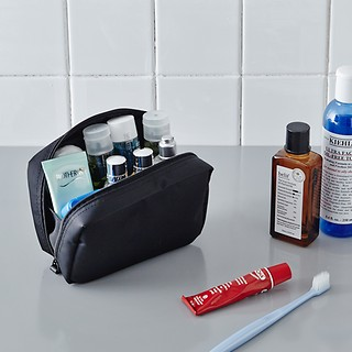 #All Black / DAY MAKE-UP POUCH